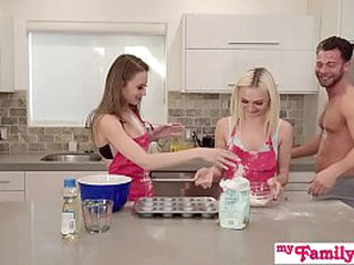 Kyler Quinn Together with Chloe Temple Cooking Show Triad Approximately Feigning Cousin