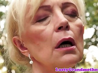 Queasy european granny pussyfucked outdoors