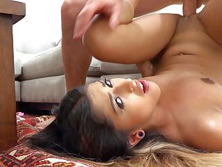 Sophia Leone in Titillating Latina's Facial - LatinaSexTapes