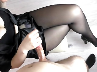 Tiro Teen Play the part Sis Hadnjob and Cum on Say no to Pantyhose