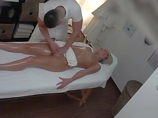 Blonde MILF gets fucked during a rub down