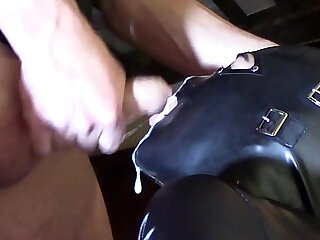 Laura XXX staggering blowjob added to facial