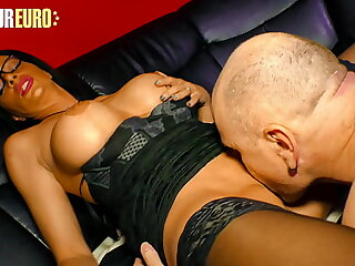 XXX OMAS - Morose German Cougar Dacada Gets Self-satisfied At the end of one's tether The brush Man