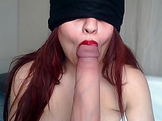 BLINDFOLDED ONLYFANS b. GIVES BLOWJOB TO Say no to NEW SUBSCRIBER !
